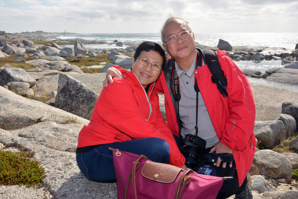Couple on a Portrait Tour with Picture Perfect Tours in Halifax, NS